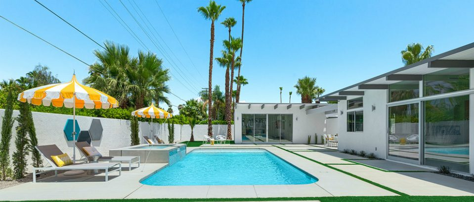 10 Mid-Century Modern Pool Ideas You Can Use in Your Summer Decor modern pool 8 Mid-Century Modern Pool Ideas You Can Use in Your Summer Decor 10 Mid Century Modern Pool Ideas You Can Use in Your Summer Decor feat 959x410