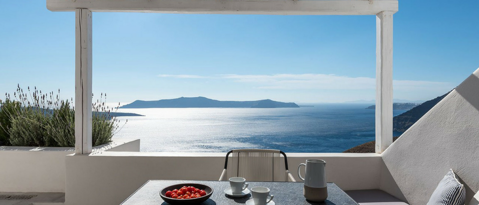 A Luxury Hotel in Santorini Revamped by Interior Design Laboratorium luxury hotel in santorini A Luxury Hotel in Santorini Revamped by Interior Design Laboratorium A Luxury Hotel in Santorini Revamped by Interior Design Laboratorium feat 959x410