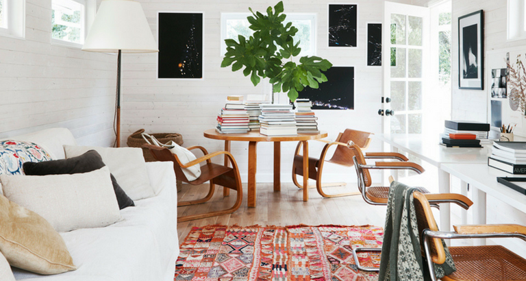 A Mid-Century Modern Home in Sonoma with a Country Inspiration mid-century modern home A Mid-Century Modern Home in Sonoma with a Country Inspiration A Mid Century Modern Home in Sonoma with a Country Inspiration feat 768x410