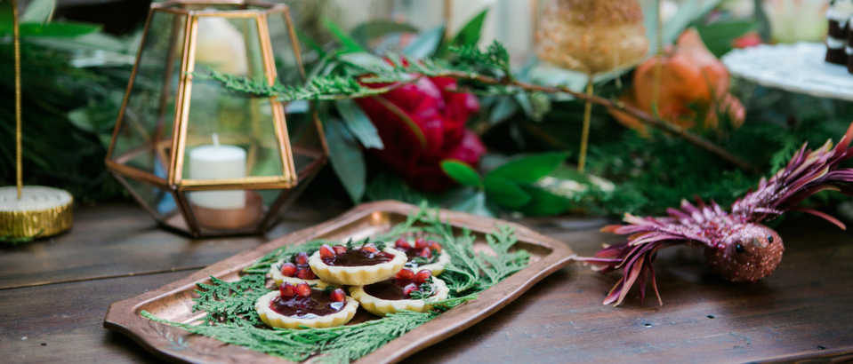 How to Do Christmas Table Decorations Like a Pro Just in Time_6