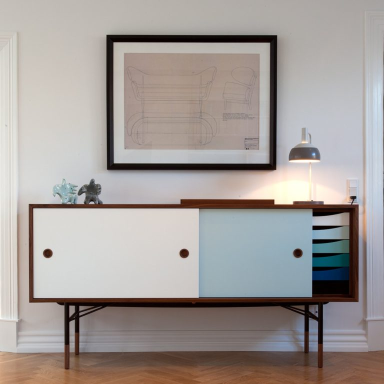 mid-century credenzas 8 Essential Mid-Century Credenzas That Are A Must For Any Design Lover 8 Essential Mid Century Credenzas That Are A Must For Any Design Lover 6