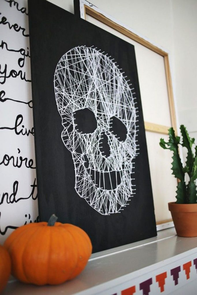Our Last Minute Checklist for a Chic Halloween Home Decor_5 halloween home decor Our Last Minute Checklist For A Chic Halloween Home Decor Our Last Minute Checklist for a Chic Halloween Home Decor 5 683x1024