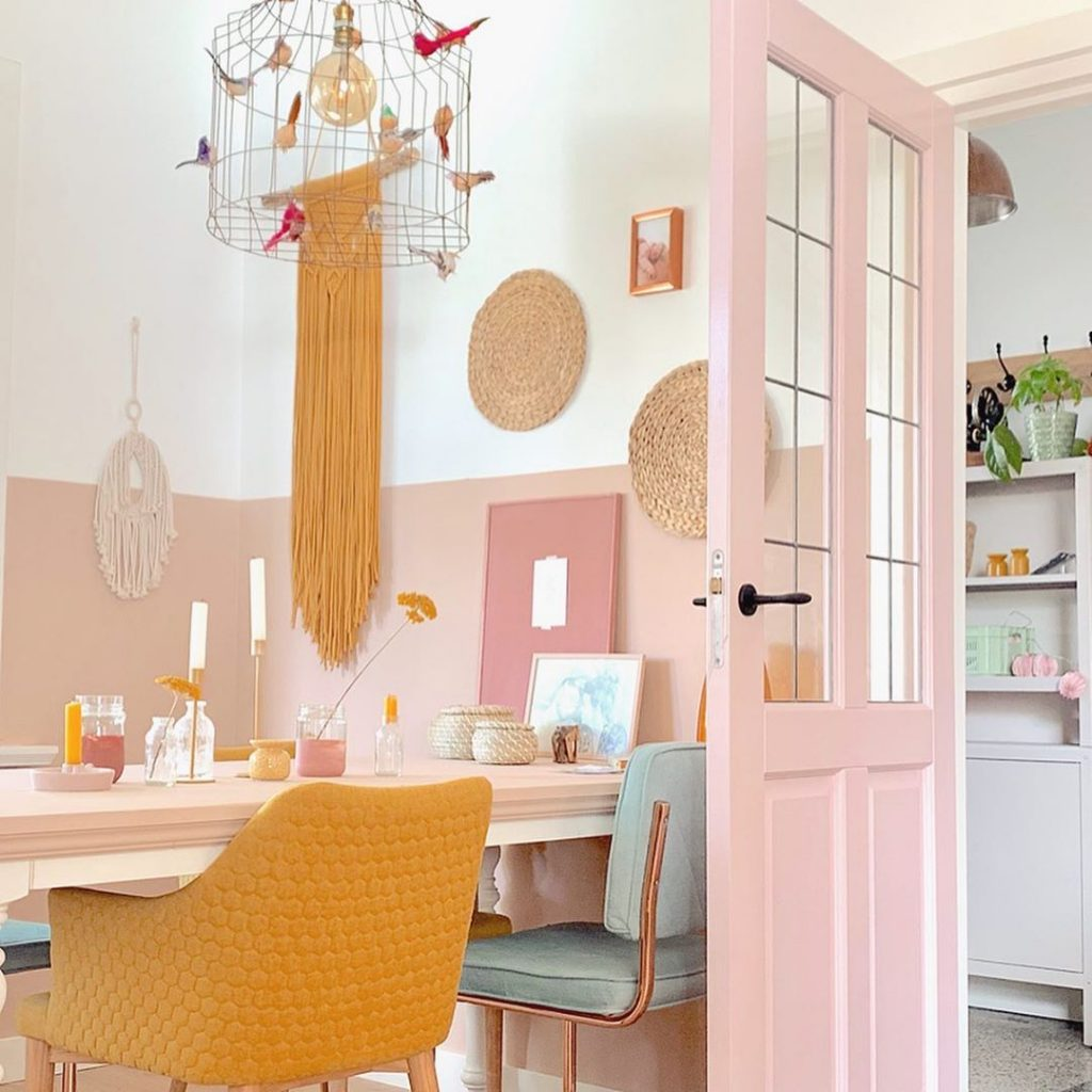 pink home decor 10 Colors That Work Perfectly With Pink Home Decor 10 Colors That Work Perfectly With Pink Home Decor 9 1024x1024