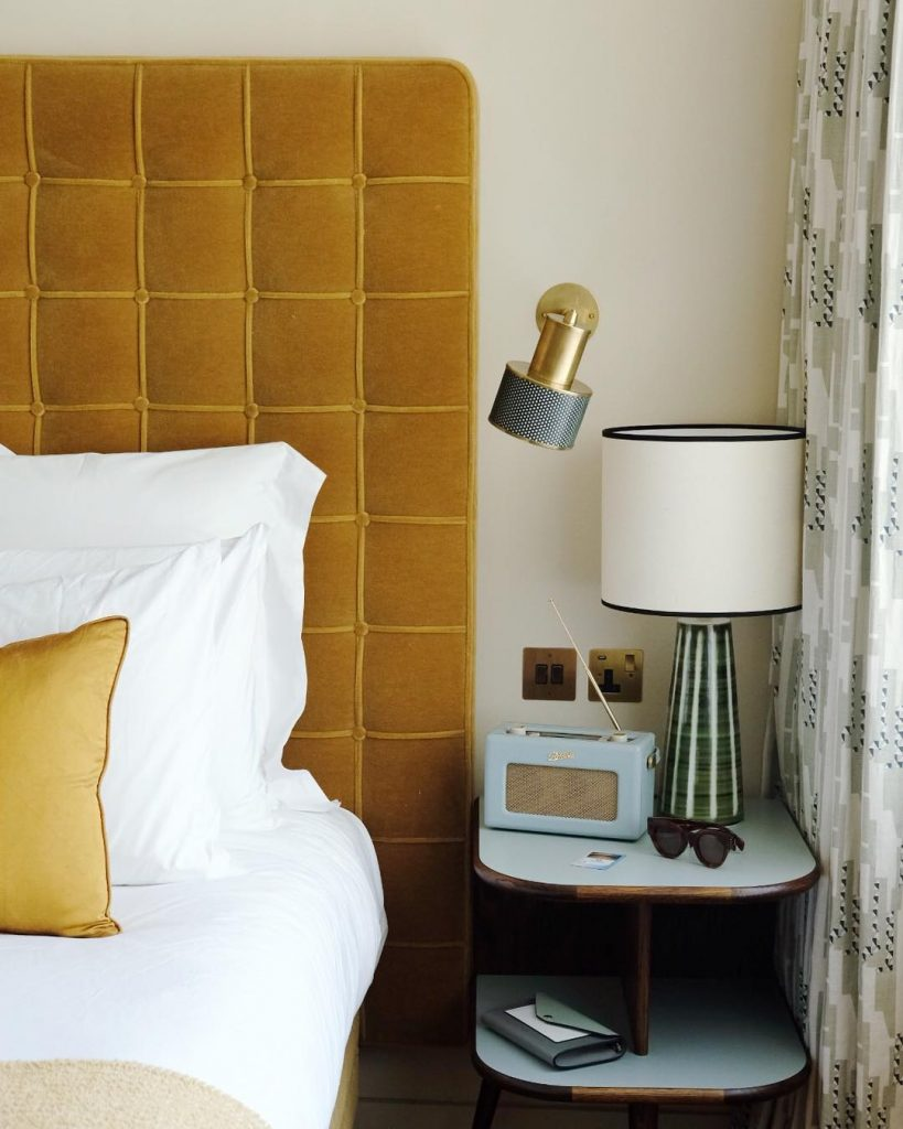 13 Yellow Bedrooms Perfect For A Happy Sunday Morning_12