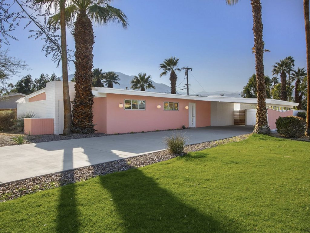This Mid-Century Home In Palm Springs Listed For $600K Is A Looker!_1 mid-century home This Mid-Century Home In Palm Springs Listed For $600K Is A Looker! This Mid Century Home In Palm Springs Listed For 600K Is A Looker 1 1024x769