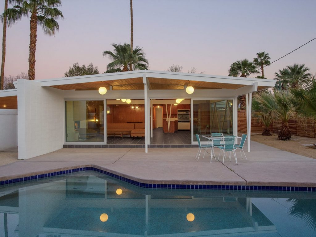 This Mid-Century Home In Palm Springs Listed For $600K Is A Looker!_10 mid-century home This Mid-Century Home In Palm Springs Listed For $600K Is A Looker! This Mid Century Home In Palm Springs Listed For 600K Is A Looker 10 1024x769