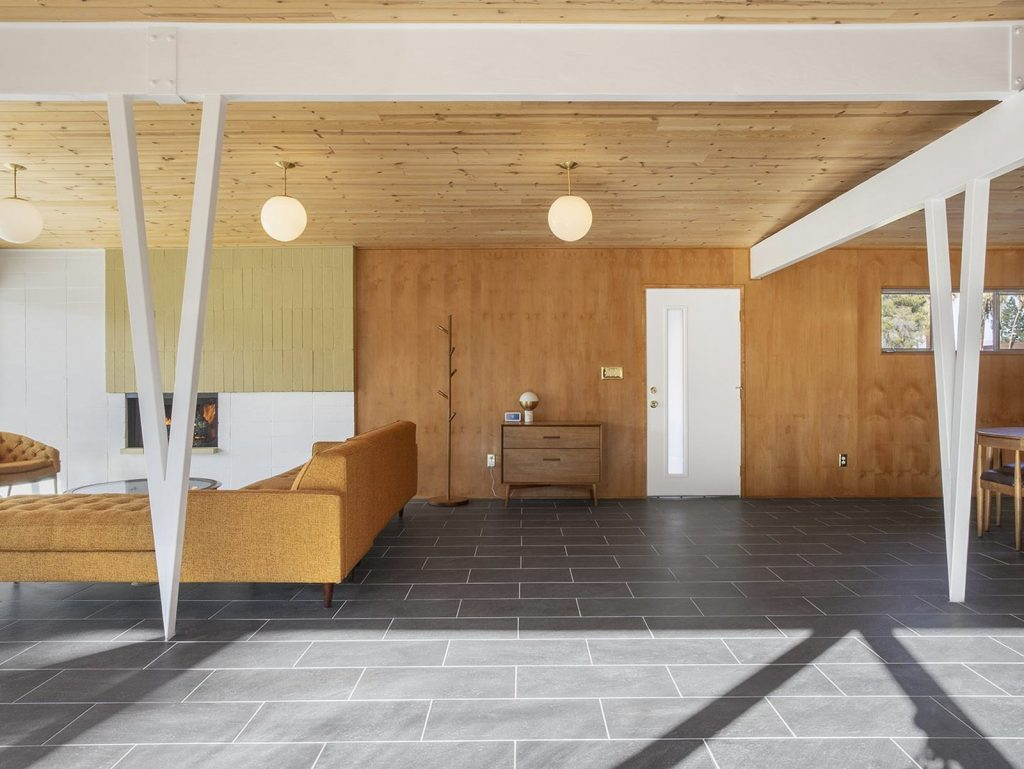 This Mid-Century Home In Palm Springs Listed For $600K Is A Looker!_3 mid-century home This Mid-Century Home In Palm Springs Listed For $600K Is A Looker! This Mid Century Home In Palm Springs Listed For 600K Is A Looker 3 1024x769