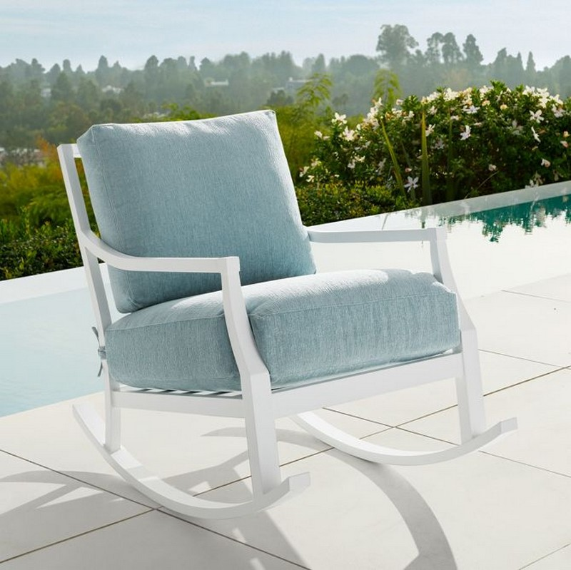 5 Outdoor Armchair Designs You Must Have In Your Incredible Balcony Project! outdoor armchair 5 Outdoor Armchair Designs You Must Have In Your Incredible Balcony Project! 5 Outdoor Armchair Designs You Must Have In Your Incredible Balcony Project 3