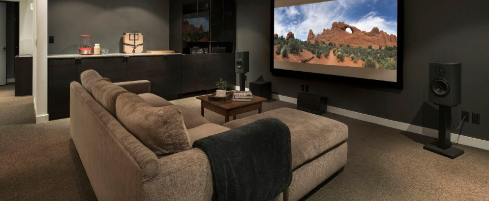 home theater How to Build a Home Theater in 5 Easy Steps! cover  994x410