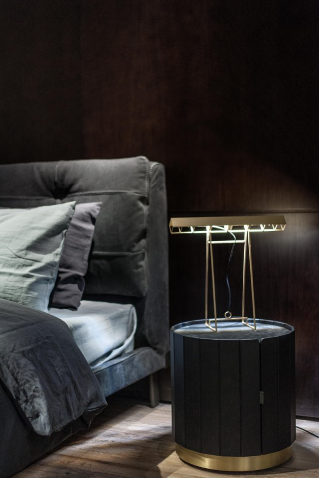 The 20 Luxury Nightstands You Need In Your Home Now_12 luxury nightstands The 20 Luxury Nightstands You Need In Your Home Now The 20 Luxury Nightstands You Need In Your Home Now 12