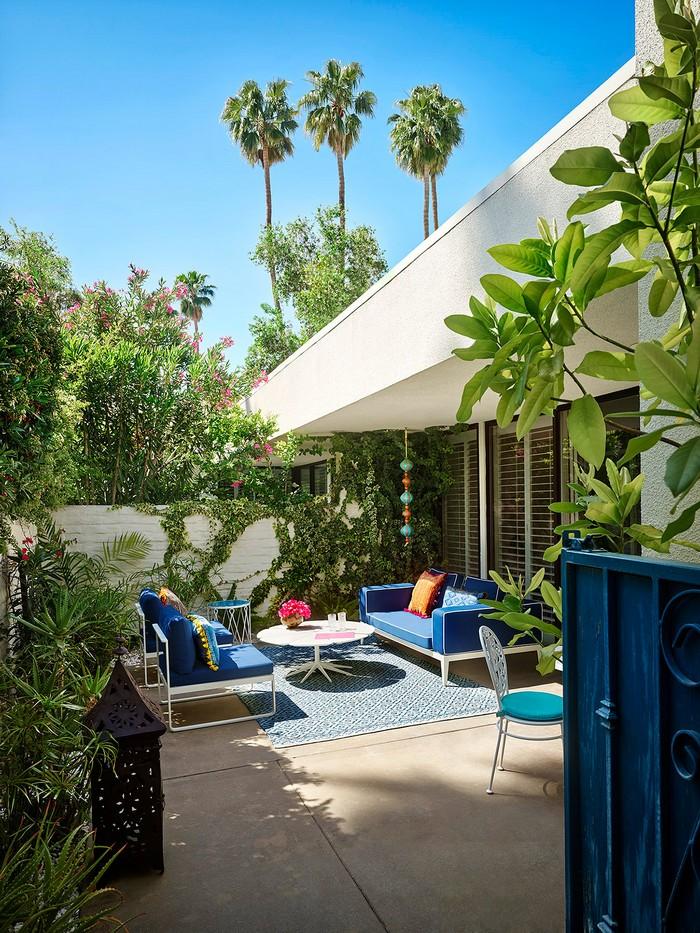 The Splashy Parker Palm Springs Hotel Designed by Jonathan Adler_10