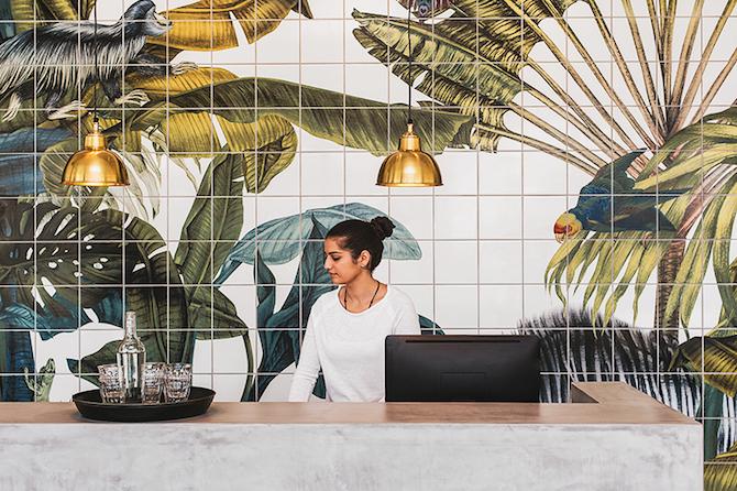 "karina-eibatova-magical-jungle-tiles-casa-cook-hotel-designboom-03 Karina Eibatova Russian Artist Karina Eibatova creates ""Magical Jungles"" karina eibatova magical jungle tiles casa cook hotel designboom 03"