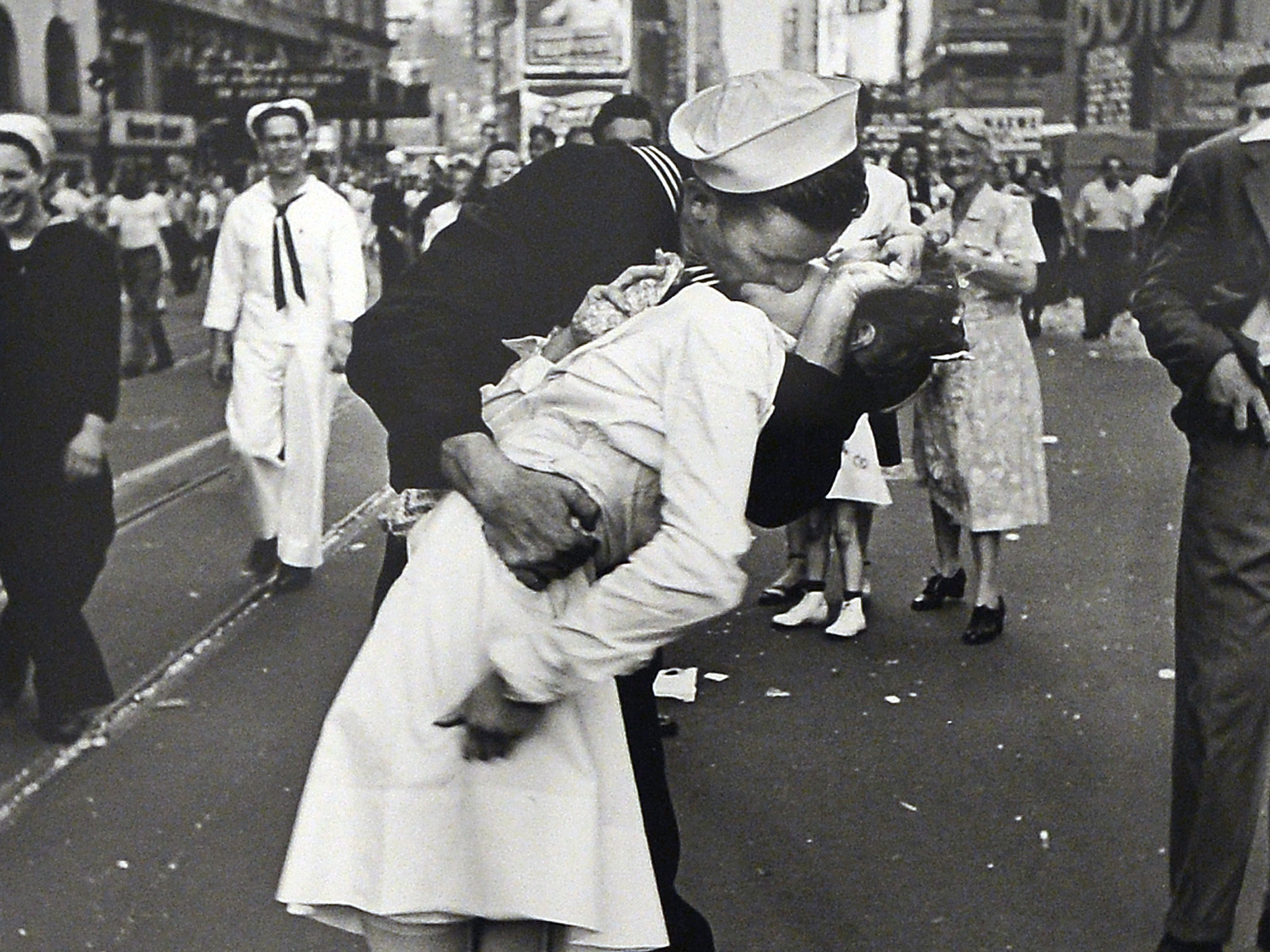 Greta_Friedman_photo greta friedman Greta Friedman, the nurse from the iconic photo of WWII dies at 92 la me greta friedman 20160910 snap