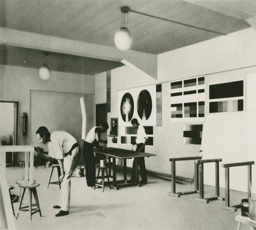 Walter Gropius and The Bauhaus walter gropius Walter Gropius and The Bauhaus ba46cfc6b18aa720143479b0cadc321e