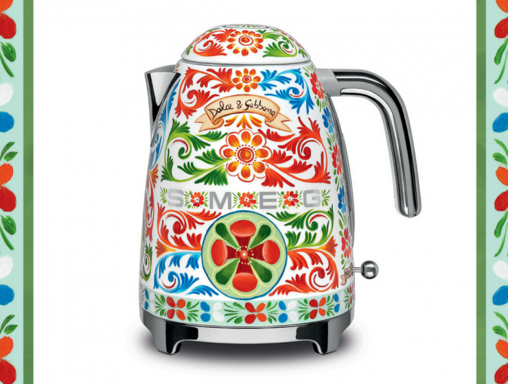 Dolce & Gabbana and Smeg Kitchen Appliances For Your Luxe Kitchen_5 smeg kitchen appliances Dolce & Gabbana and Smeg Kitchen Appliances For Your Luxe Kitchen Dolce Gabbana and Smeg Kitchen Appliances For Your Luxe Kitchen feat 740x560