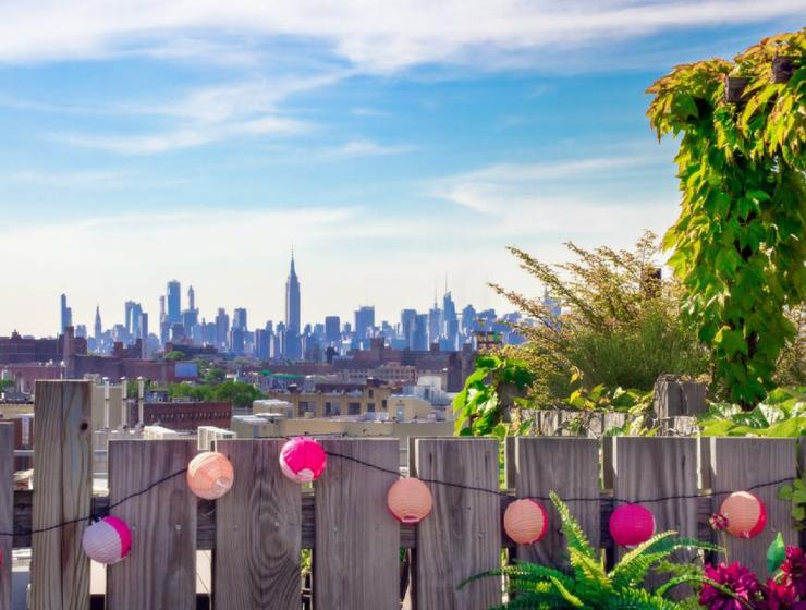 brooklyn apartment A Retro Chic Brooklyn Apartment w/ Breathtaking Views Inspirations cover 3 740x560