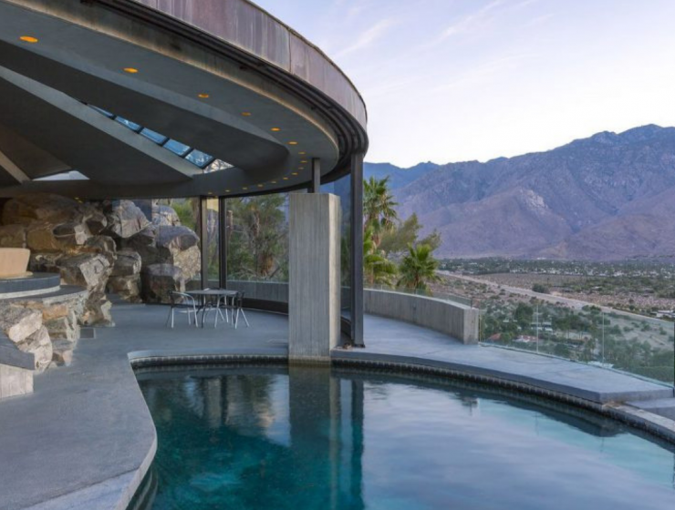 8 Mid-Century Homes In Palm Springs To Inspire You mid-century homes 8 Mid-Century Homes In Palm Springs To Inspire You 8 Mid Century Homes In Palm Springs To Inspire You 740x560