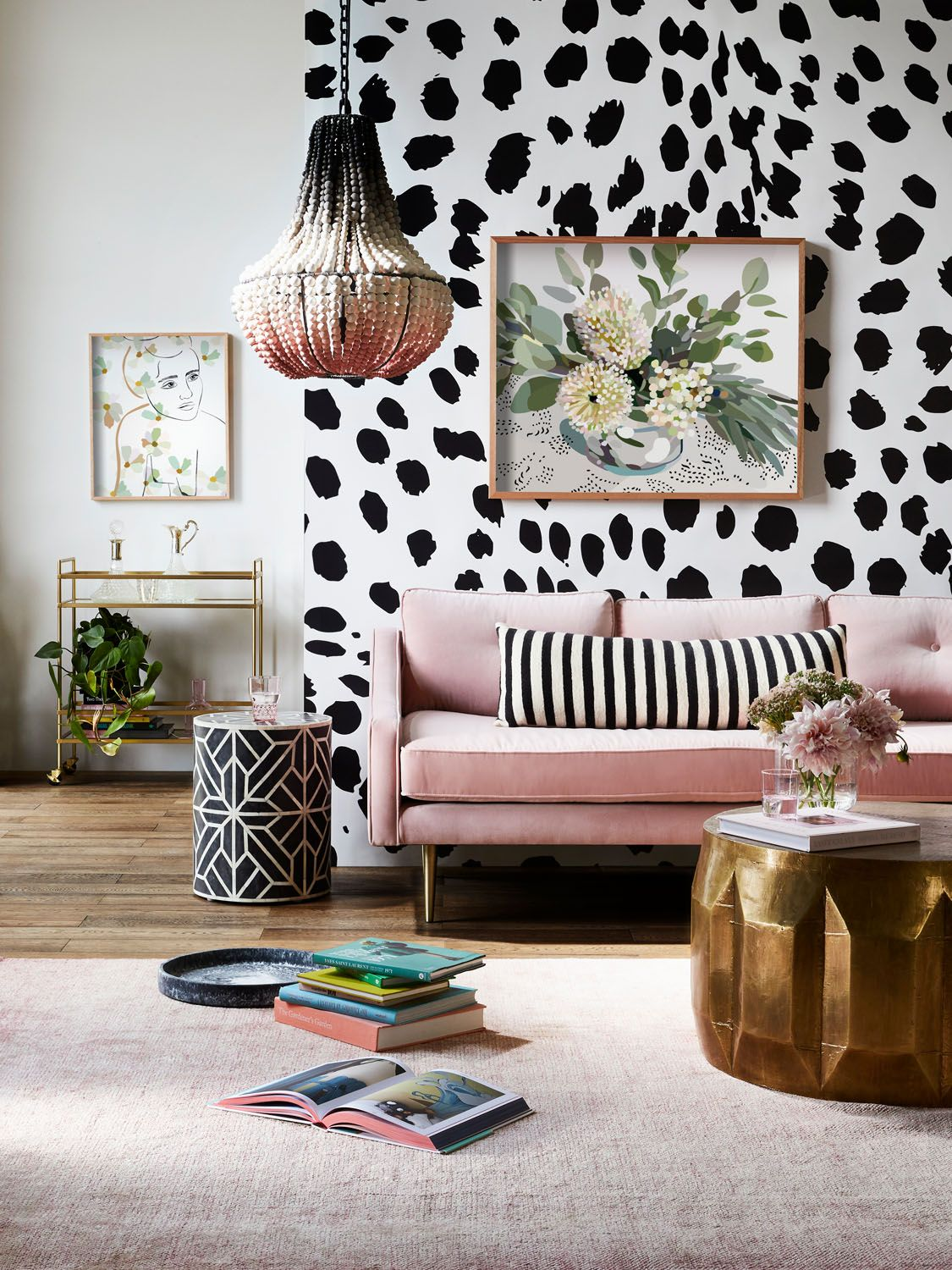 How To Make A Black And White Living Room Work_1 black and white living room How To Make A Black And White Living Room Work How To Make A Black And White Living Room Work 1