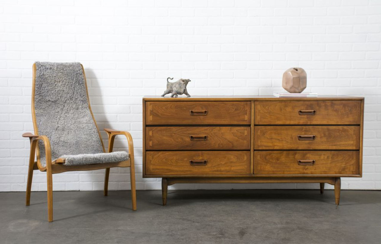 Image of: Mid Century Sideboards A Must Have For Every Interior Design Lover Inspirations Essential Home