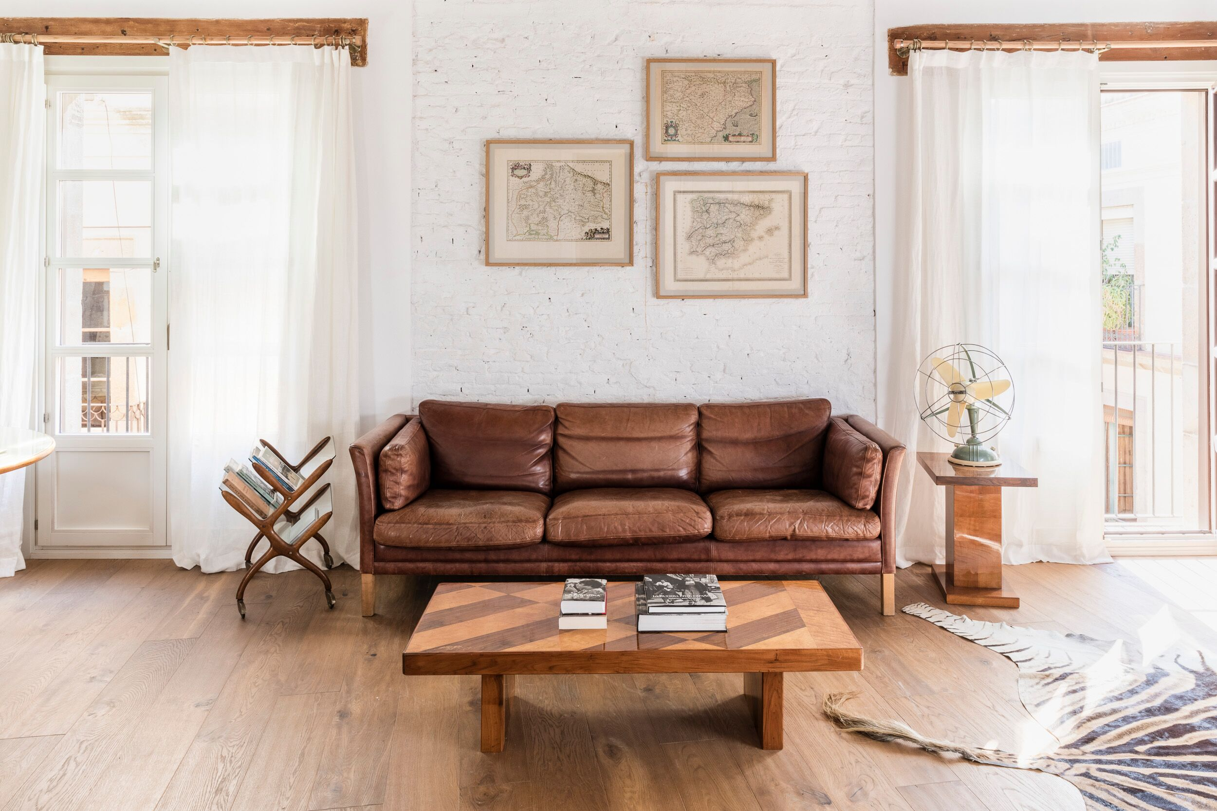 spanish interior design Spanish Interior Design Alert: A Mid-Century Lifestyle by A&B Curated gUwqDigw