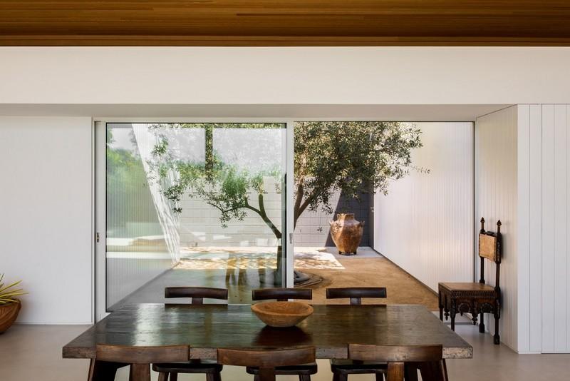 Inside Jason Statham's Amazing Mid-Century Modern Home jason statham Get Inside Jason Statham's Amazing Mid-Century Modern Home JS Rising Glen 109 Edit 1