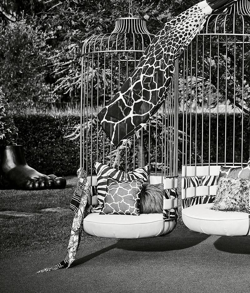 Roberto Cavalli's Outdoor Collection Bring Fierceness To Your Space roberto cavalli Roberto Cavalli's Outdoor Collection Bring Fierceness To Your Space Roberto Cavallis Outdoor Collection Bring Fierceness To Your Space 2