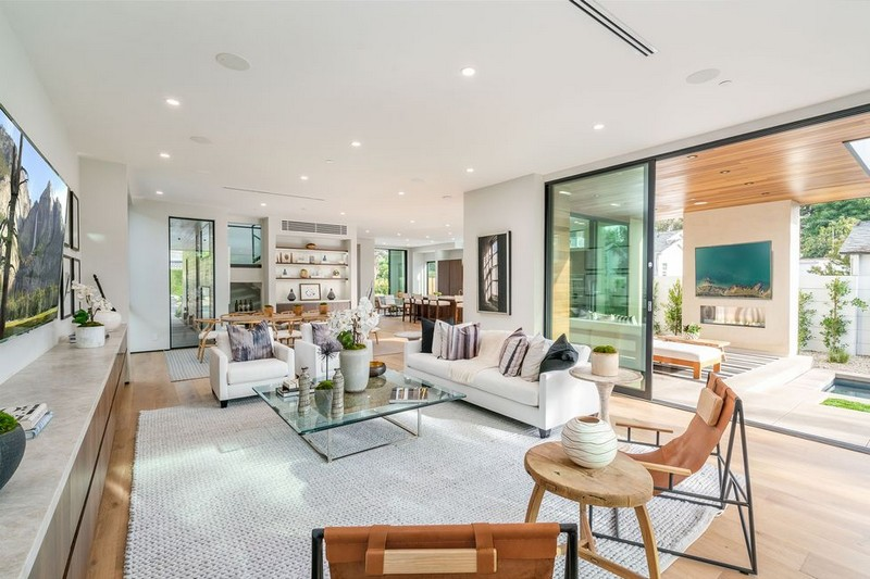 Steal The Look From John Legend and Chrissy Teigen Hollywood Home With The Right Pieces!  john legend and chrissy teigen Steal The Look From John Legend and Chrissy Teigen Hollywood Home With The Right Pieces! Steal The Look From John Legend and Chrissy Teigen Hollywood Home With The Right Pieces 4