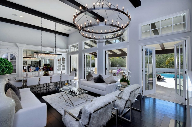 Kylie Jenner's Calabasas Home Designed by Jeff Andrews Is For Sale! kylie jenner Kylie Jenner's Calabasas Home Designed by Jeff Andrews Is For Sale! Kylie Jenners Calabasas Home Designed by Jeff Andrews Is For Sale 2