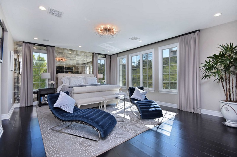 Kylie Jenner's Calabasas Home Designed by Jeff Andrews Is For Sale! kylie jenner Kylie Jenner's Calabasas Home Designed by Jeff Andrews Is For Sale! Kylie Jenners Calabasas Home Designed by Jeff Andrews Is For Sale 3