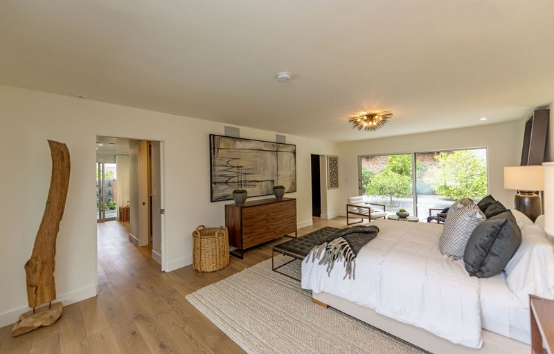 Cindy Crawford's Famous Beverly Hills Mid-Century Home Is For Sale! cindy crawford Cindy Crawford's Famous  Beverly Hills Mid-Century Home Is For Sale! Cindy Crawfords Famous Beverly Hills Mid Century Home Is For Sale 5