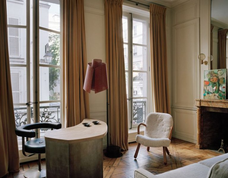 Pierre Yovanovitch Invites You Inside His Parisian Apartment_5 pierre yovanovitch Pierre Yovanovitch Invites You Inside His Parisian Apartment Pierre Yovanovitch Invites You Inside His Parisian Apartment 5