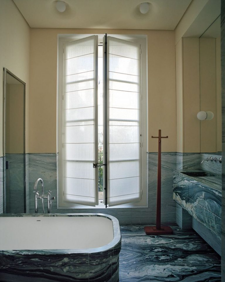 pierre yovanovitch Pierre Yovanovitch Invites You Inside His Parisian Apartment Pierre Yovanovitch Invites You Inside His Parisian Apartment 9